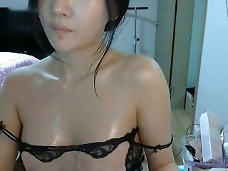 This girl is fucking hot!!