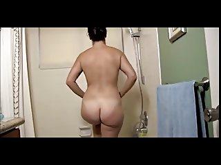 Horny Mature Takes Bath