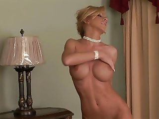 MILF at home, horny and alone