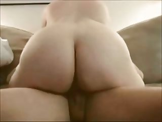 Amateur wife in slow and sensual riding