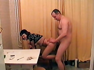 Old sex with a schoolgirl in the kitchen
