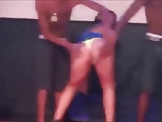 Dancing without panties in funk party