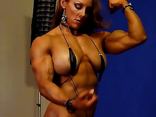 Sexy Muscle Goddess in Studio 2
