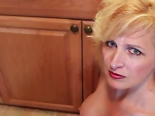Hot milf the lipstick ring, blowjob