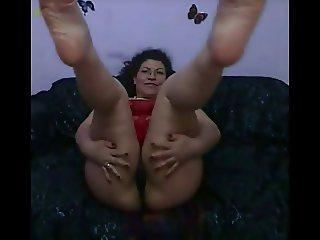 Mature Pakistani Wife shows Her Sacred Islamic Feet