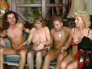 Two Sexy Babes Fuck -  frmxd com
