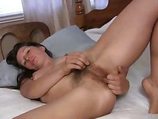 Hairy MILF solo (Carmen)