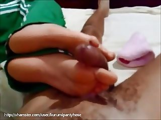 Kurumipantyhose - sensual Footjob with Socks
