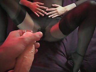 ejaculation sur bas nylon, cum stocking, strapon 3