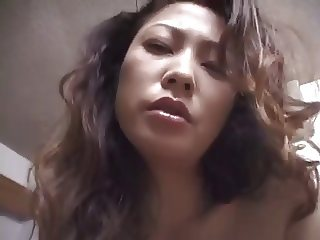 HAIRY JAPANESE MILF ( POV )