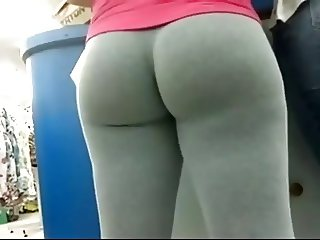 Hottie Sporting Leggings (slo mo by me)