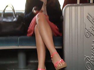 Upskirt in train 1