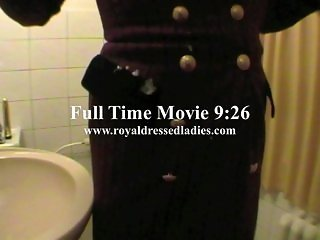 Lady Masturbate In Toilet Fully Clothed