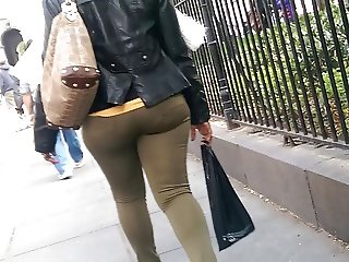 Big booty african woman pt.2