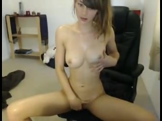 Miss Alice oiled and masturbating
