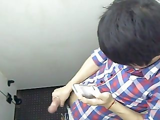 Str8 spy filipino guy in public toilet