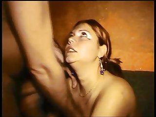 Vicky Wilfing gangbang in swinger klub