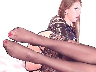 girl in nylon 5