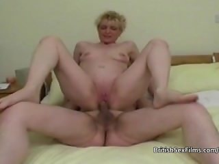 Mature amateur housewife shaved pussy pounded