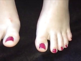 Chita moves her sexy feet