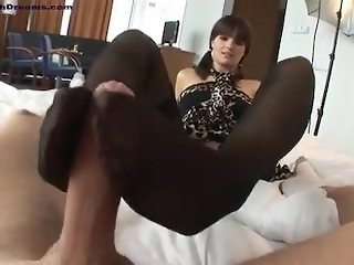 beautiful feet in footjob