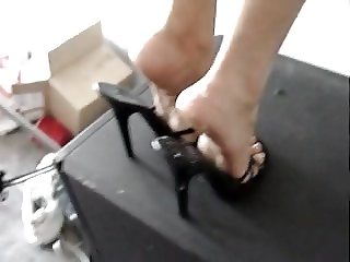 cum on my heels please