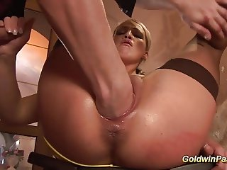 hot stepmom needs deep pussy fisting
