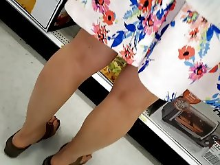 Upskirt toned legs