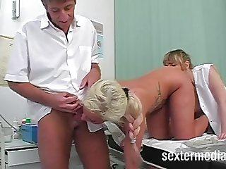 Doktor fickt Patientin