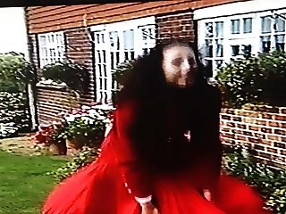 wind Blown Skirt Problems For Attractive Estate Agent 0