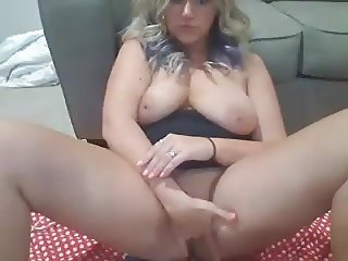 cute milf horniesthousewife masturbating squirting webcam