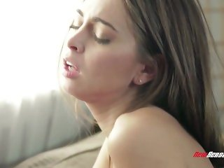 Cheerleader Stepdaughter Riley Reid Fucks Daddy