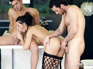 Stunning Spanish Babe Alexa Tomas in Hot Threesome
