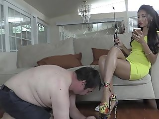 Empress Jennifer  The Riding Crop Whip Test