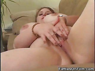 Fingering Chunky Sweetie Cock Sucks