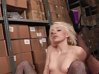 Ravishing babes in company of jumbo cocked dudes