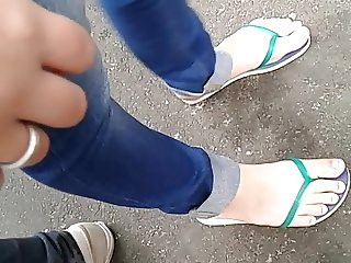 Candid feet - Jeans and slippers