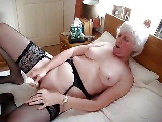 Kay plays dildo
