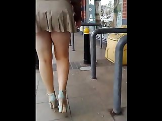Arse out in beige pleated