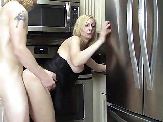 Not my Mom : Kitchen