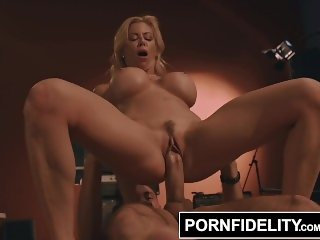 PORNFIDELITY Alexis Fawx Bounces to the Rhythm