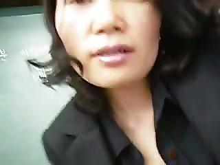 Ona  Korean teacher