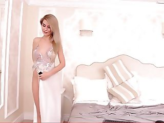 Skinny blonde housewife SereneSophie on housewiveshdcom