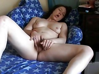 Very Horny Chubby Teen GF with nice wet hairy pussy