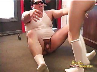 Slim brunette minx makes a fat stud cum on her sex feet