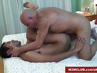 Daddy Barebaking his Lover