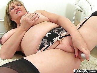 Britain's sexiest milfs part 41