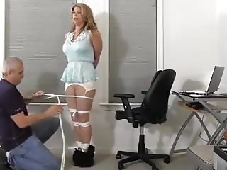 Sekretaerin gefesselt